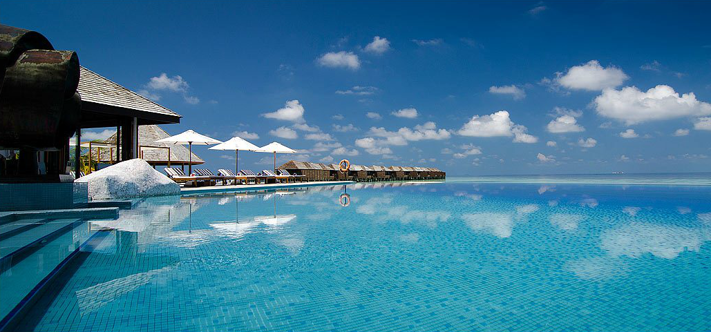 Maldivler Lily Beach Resort 'ü Tanıyalım